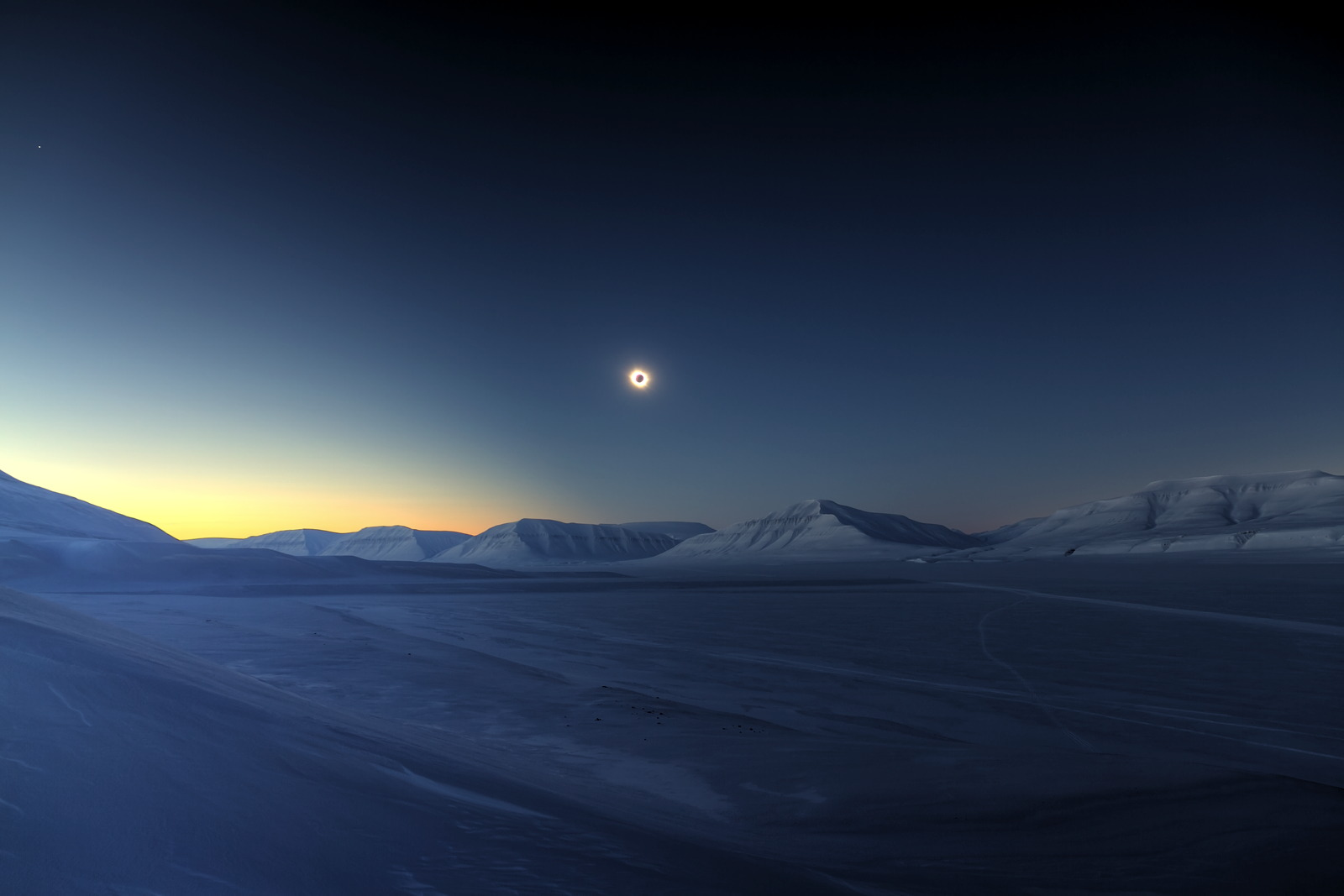 Winner and Overall Winner — Eclipse Totality over Sassendalen © Luc Jamet (France)