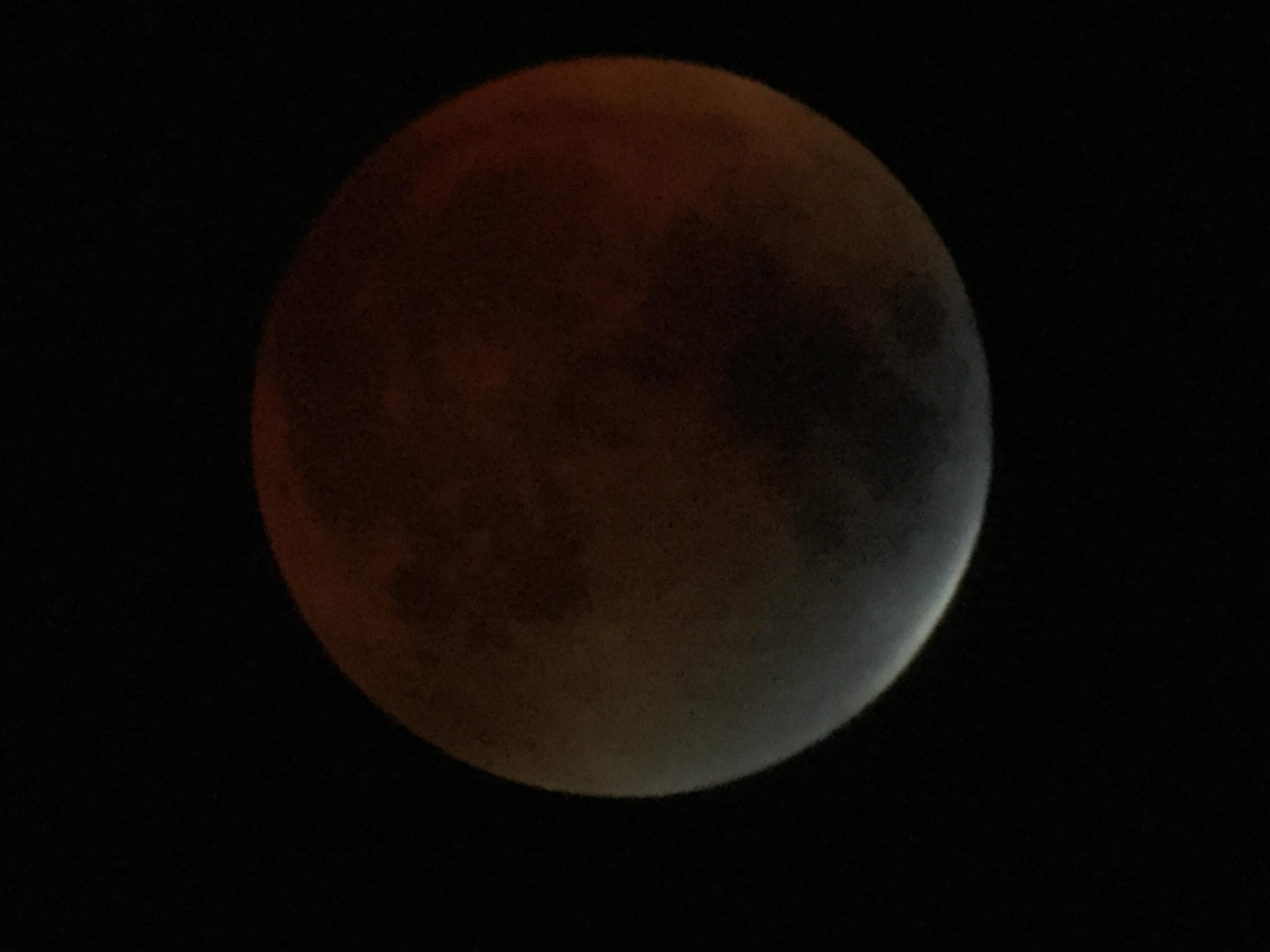 Total Lunar Eclipse via Smartphone in Mass.