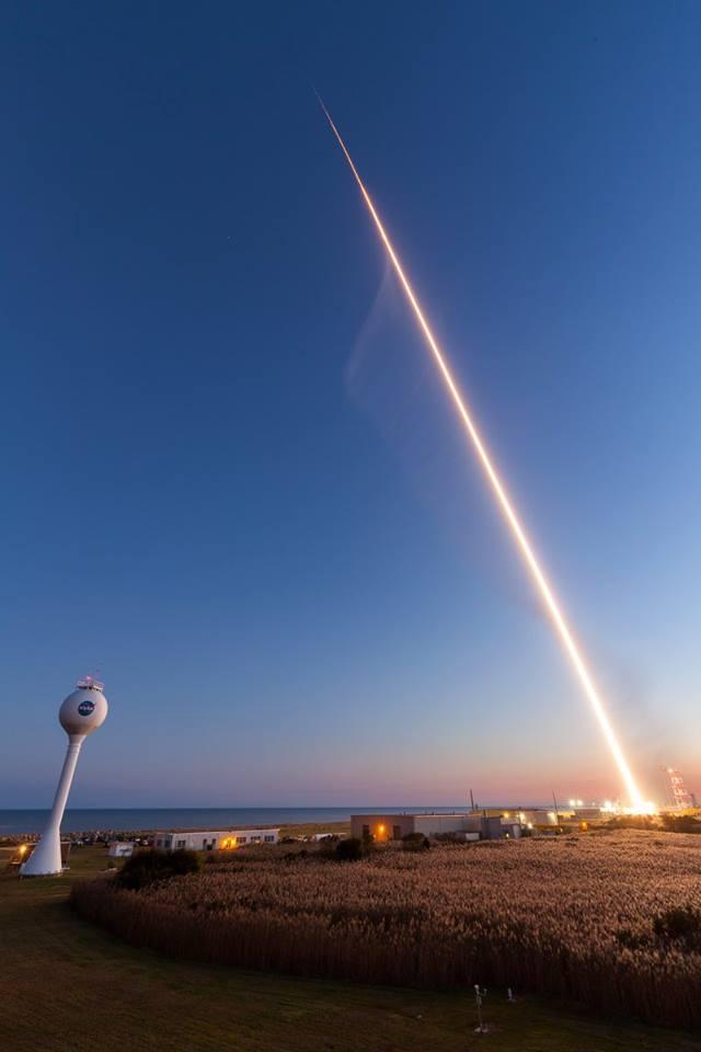NASA Sounding Rocket Lights Up the Sky: Photos