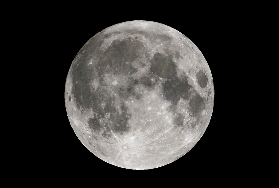 Moon Photography Tips from Astrophotographers: A Visual Guide