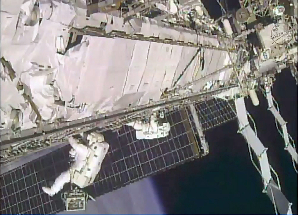 Spacewalking Astronauts Tackle 'High-Flying Plumbing' Job on Space Station