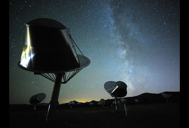 What the Flux? No Sign of Aliens Around Strange, Dimming Star