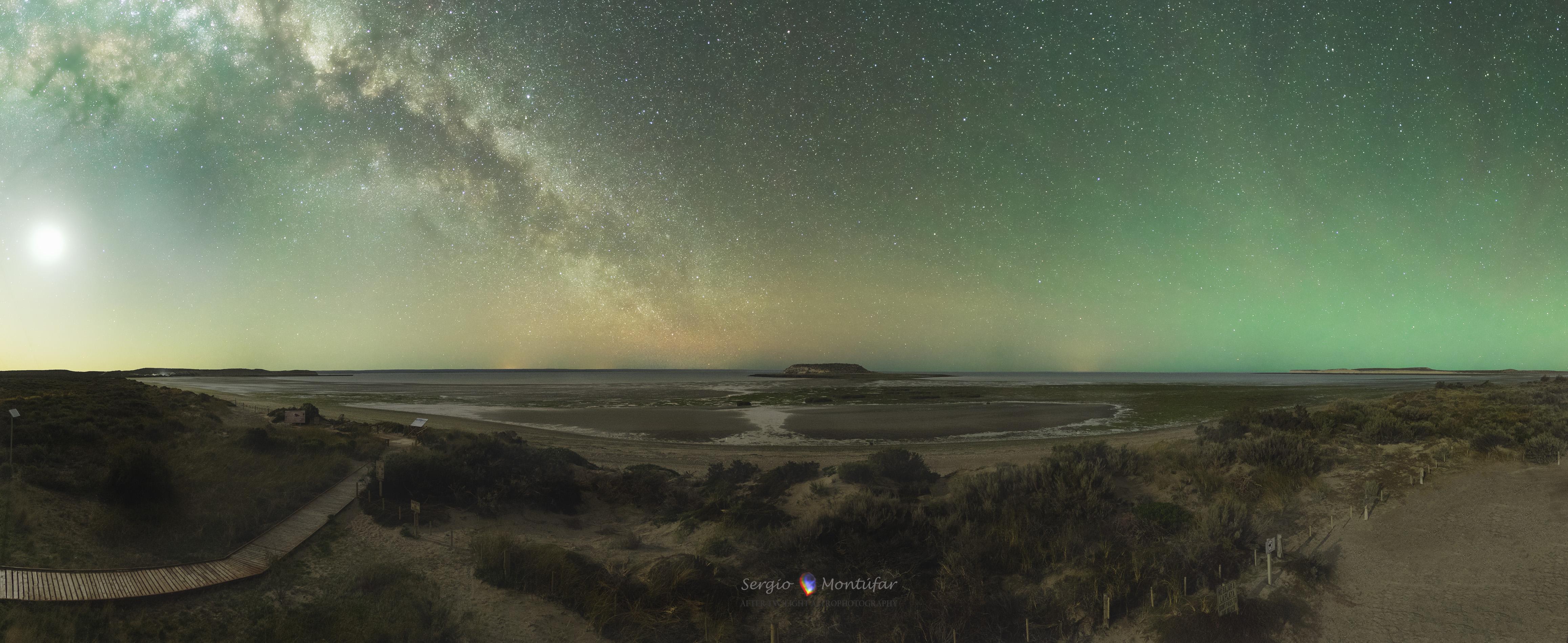 Isla de los Pajaros and Milky Way by Montúfar