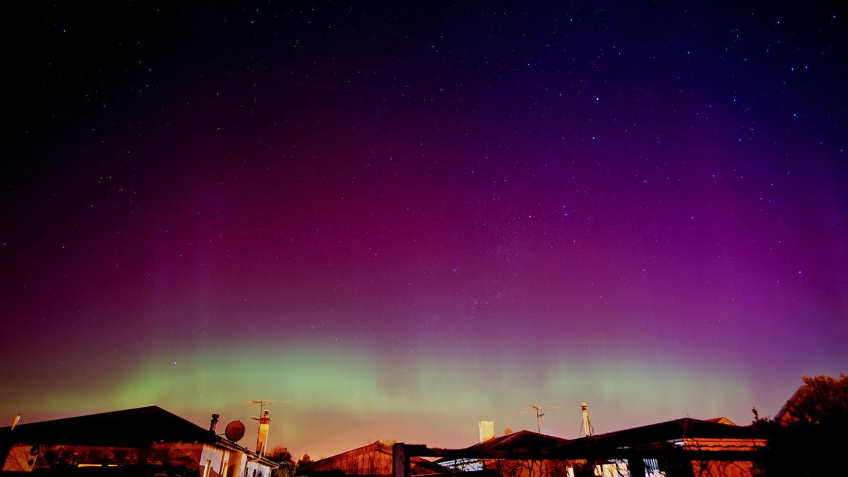 Aurora Australis by Ann Gutschlag