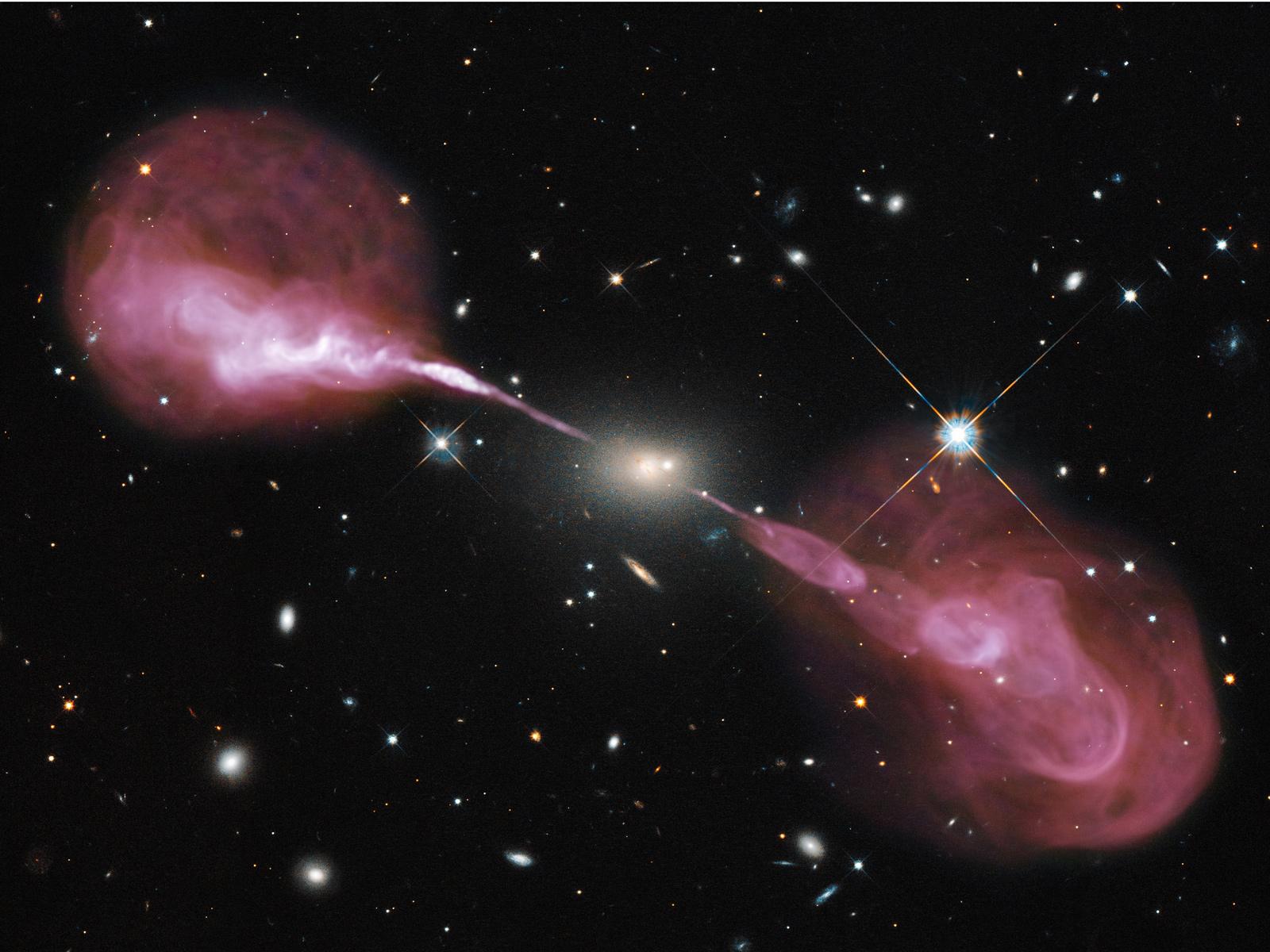 Secrets of a Supermassive Black Hole Revealed | Space Wallpaper