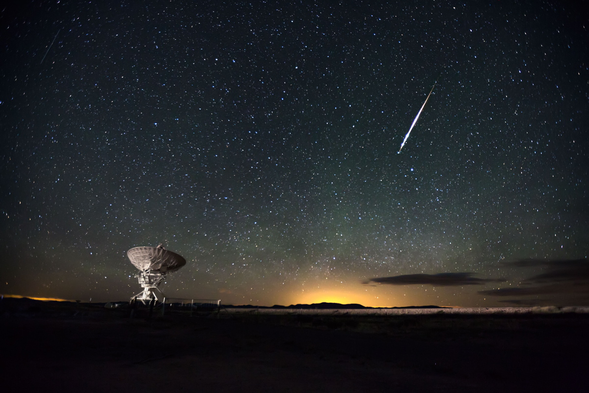 Meteor Over Very Large Array