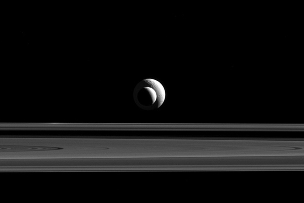 Saturn Moons Align (Almost) to Perfection: Photo