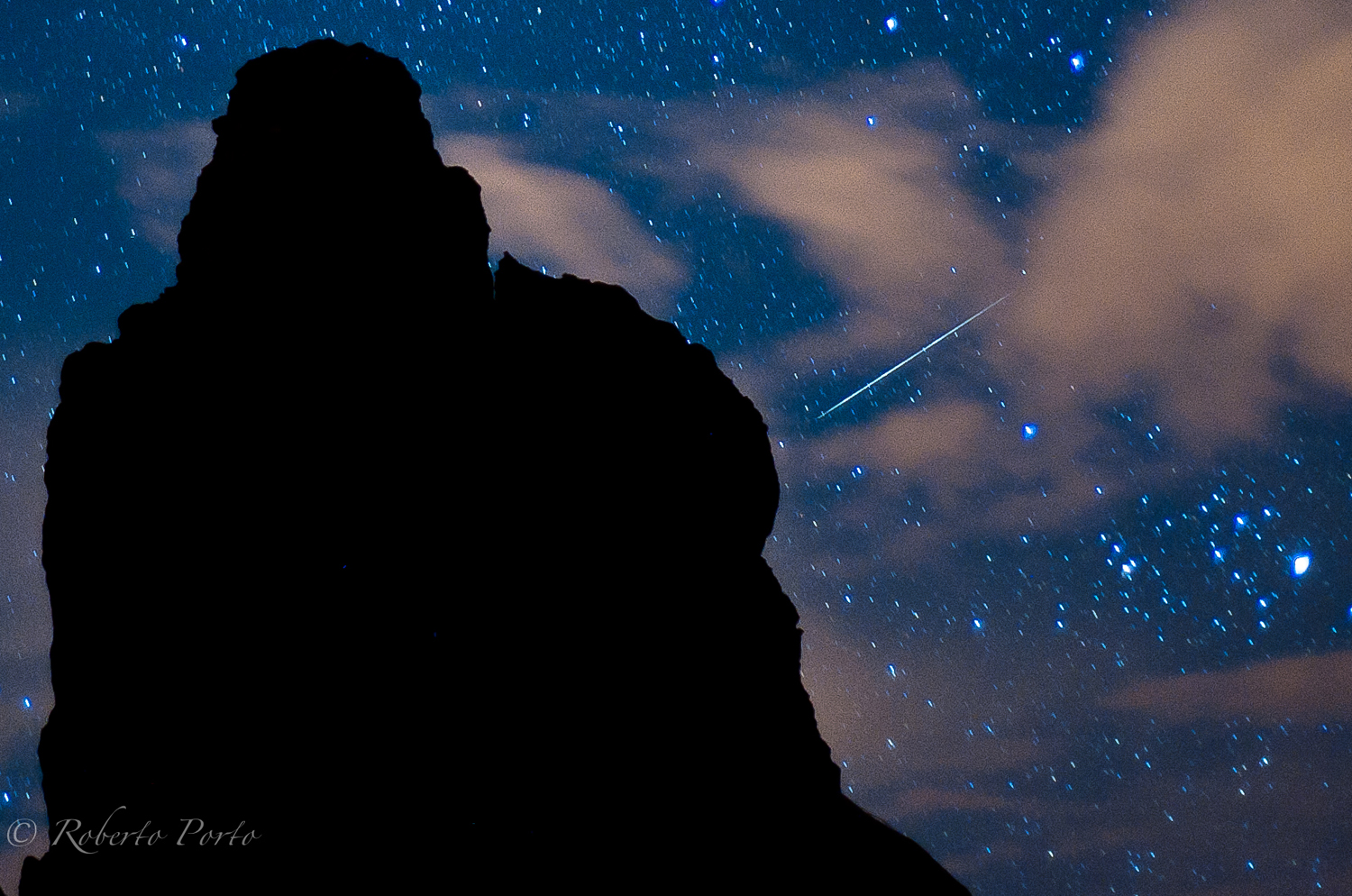 The 2016 Quadrantid meteor shower of 2016 peaks before dawn on Monday Jan. 4, and could be one of the best of the year, weather permitting. Here, astrophotographer Roberto Porto captures a Qudrantid meteor  over Tenerife in Spain's Canary Islands in 2012.