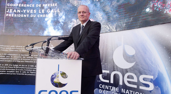 "CNES President Jean-Yves Le Gall said it was only natural to want to have ""a set of new eyes"" investigate an anomaly of such serious consequence, which he said was ""a real blow"" to CNES."