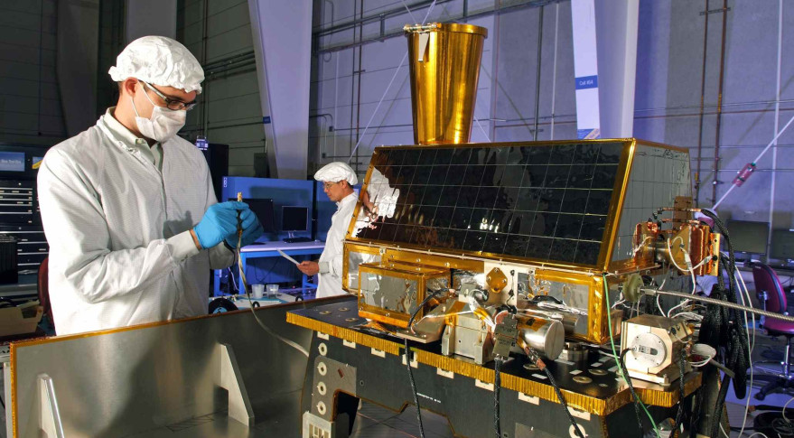 US Air Force Pushes Back Experimental Missile Warning Satellite