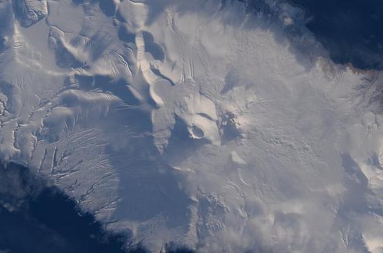 ESA Astronaut Tim Peake Spots an Aleutian Island