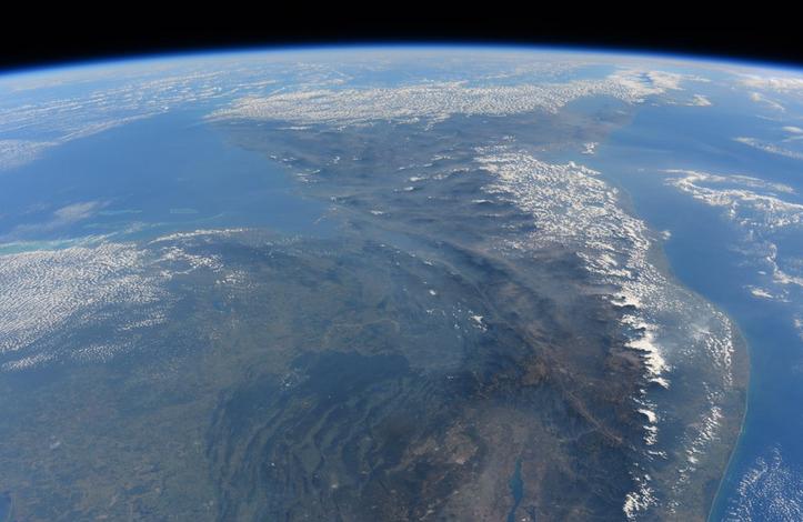 ESA Astronaut Tim Peake Snaps Image of North and South America