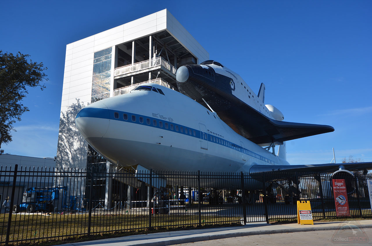 Astronauts and Skydivers to Help Open Houston 747-Shuttle Exhibit