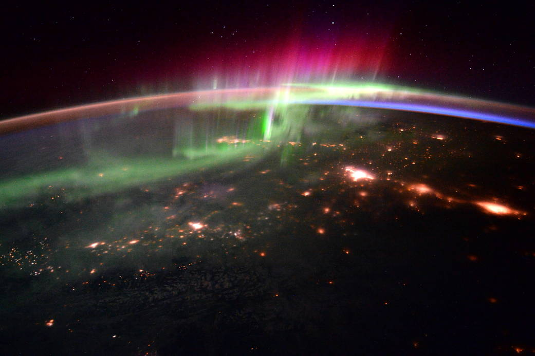 Astronaut Sees Aurora Glow Over the Pacific Northwest (Photo)