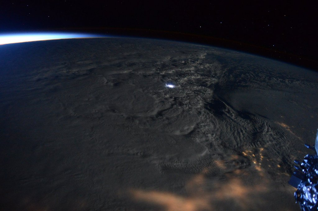 Astronaut in Space Spots Rare Thundersnow in Blizzard Over Eastern US (Photo)