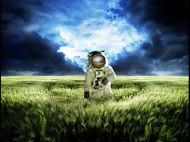 'The Astronaut's Tale': New Opera Celebrates Space with Awesome Visual Displays