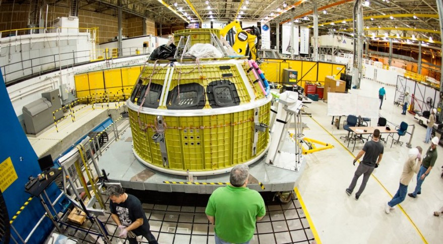 Workers at the Michoud Assembly Facility complete the Orion pressure vessel