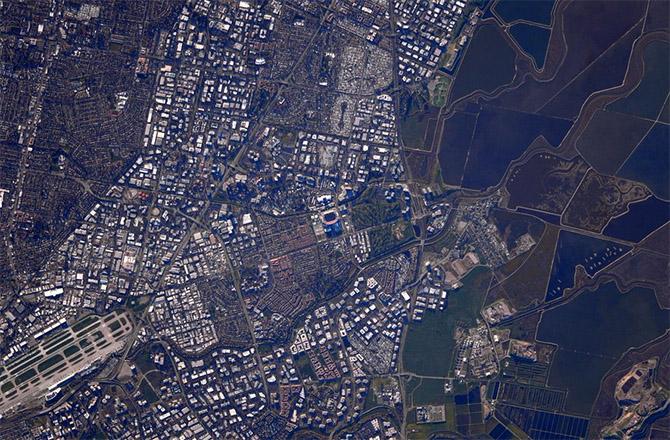 NASA Astronaut Spies on Super
