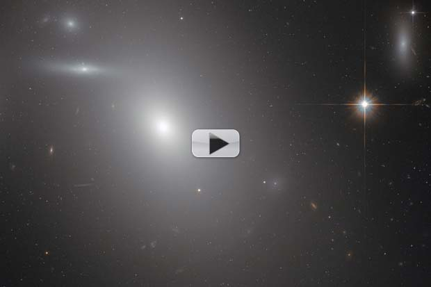 #Yuuuuge Black Hole Lies At Heart Of This Elliptical Galaxy | Video
