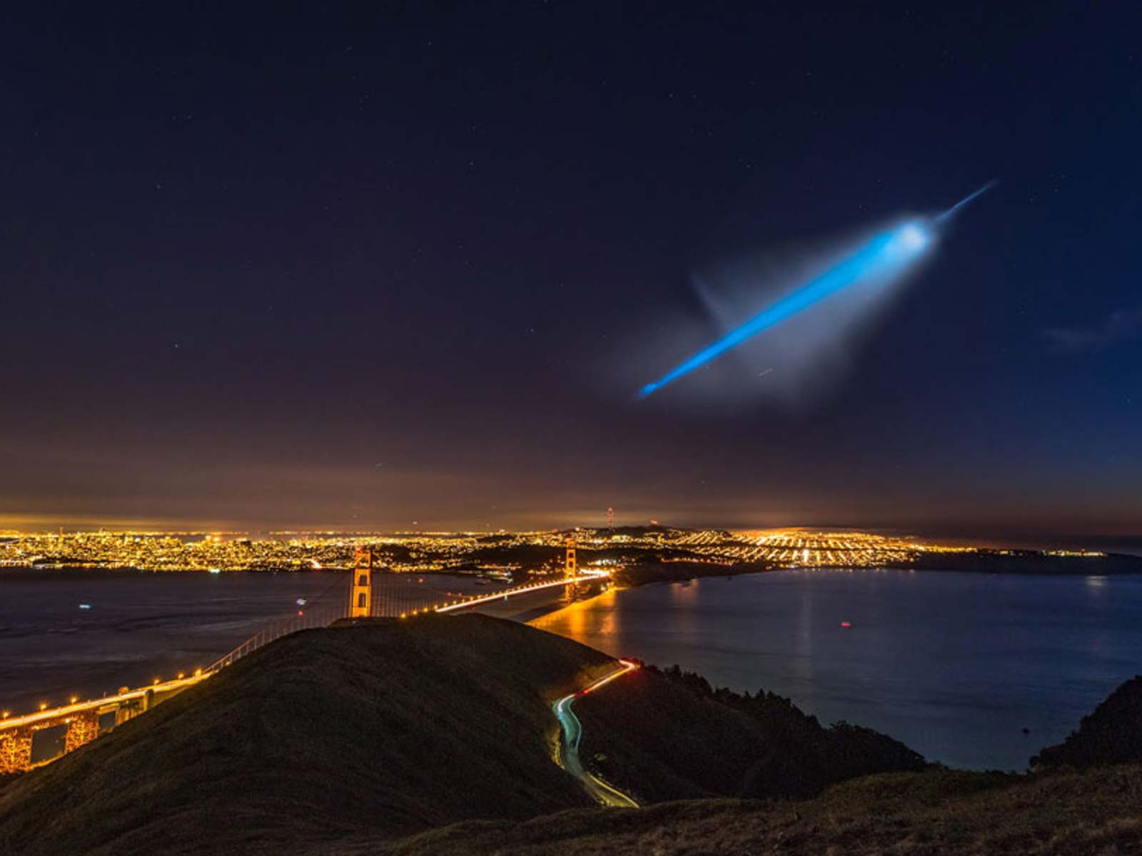 UFO Over San Francisco, or Not? | Space Wallpaper