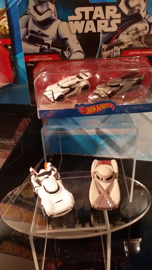 Hot Wheels: First Order Stormtrooper, Captain Phasma and Rey