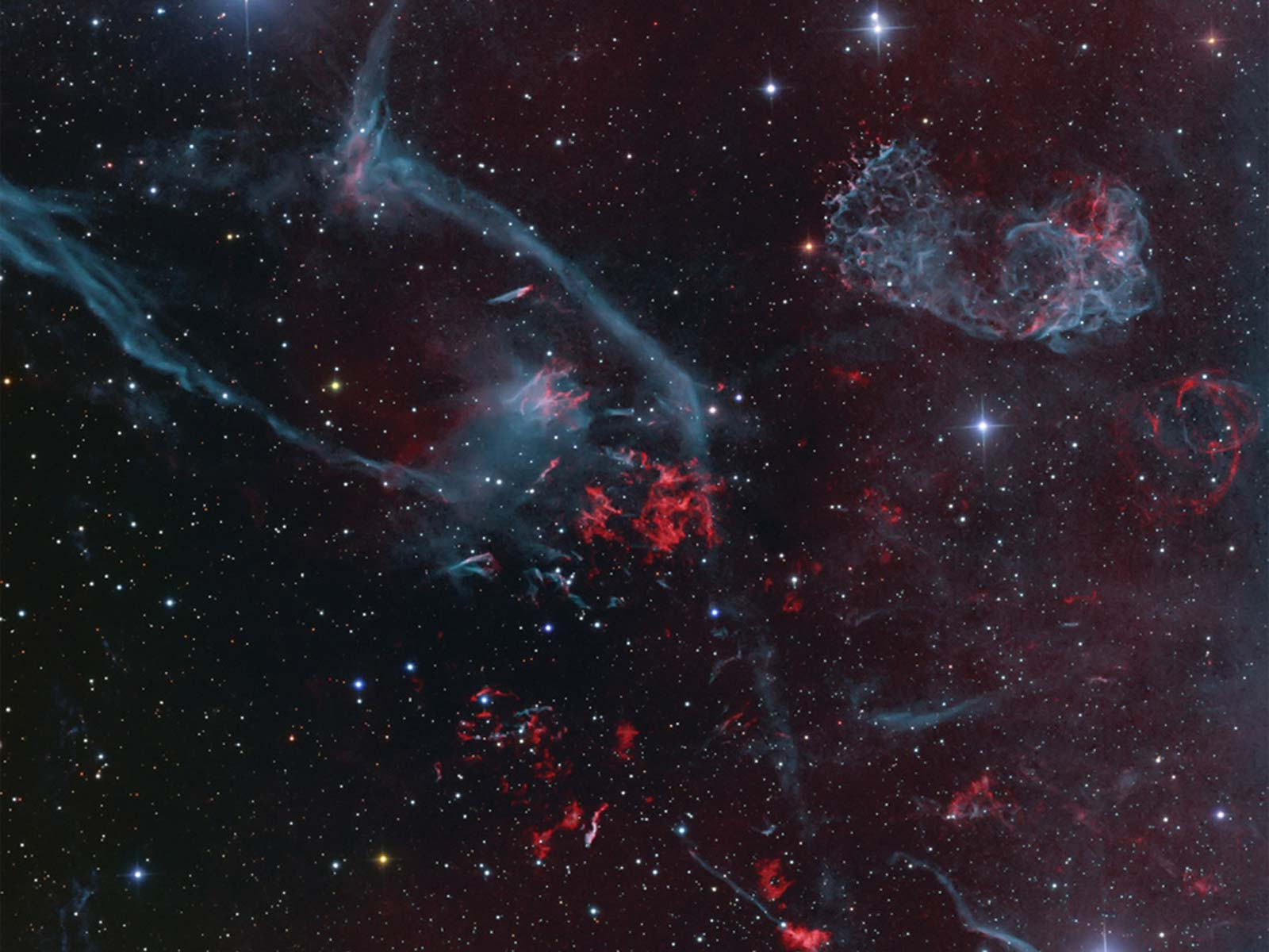 Explosions Exude Elegance: Supernova Remnant Puppis A | Space Wallpaper