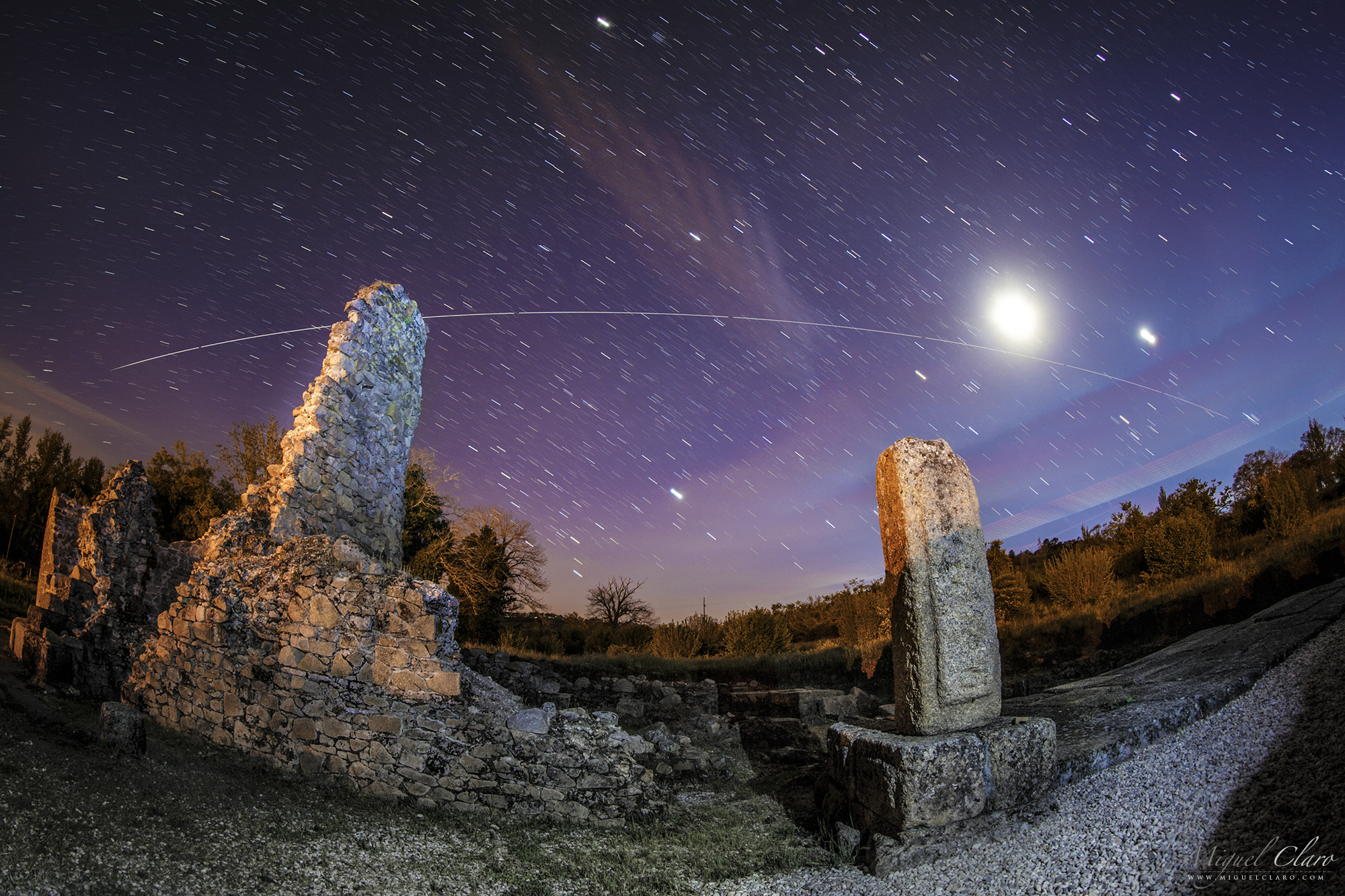 Space Station Flies Over Roman Ruins in Stunning Skywatcher Photo