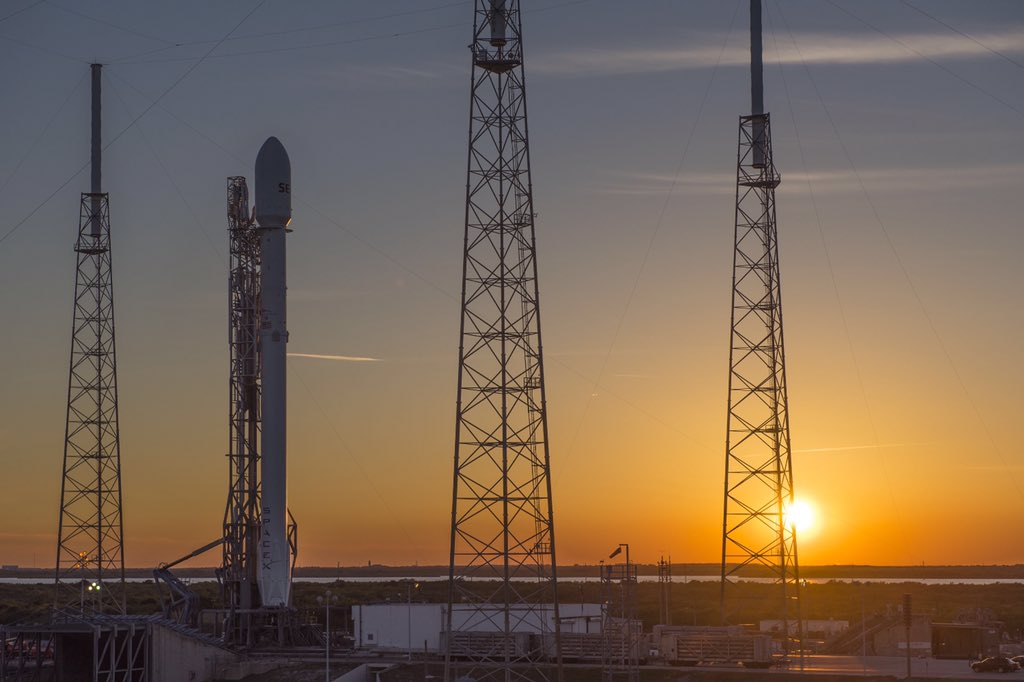 SpaceX Pushes Rocket Launch, Landing Attempt to Friday