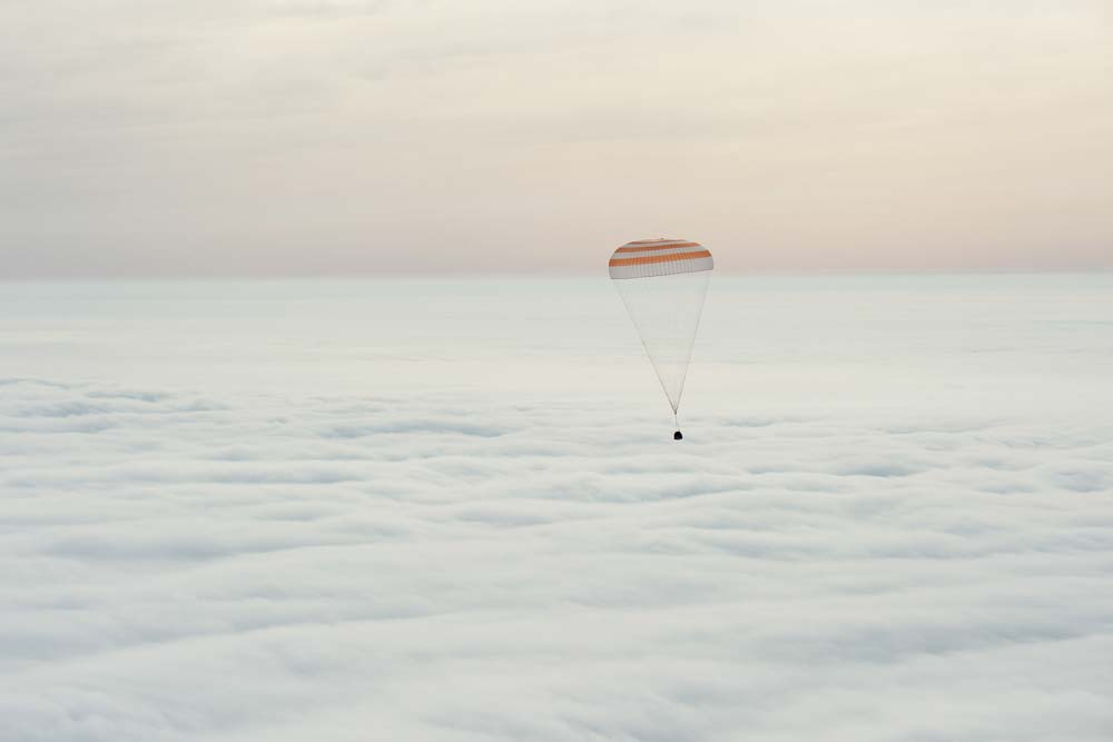 Expedition 46 lands in Kazakhstan