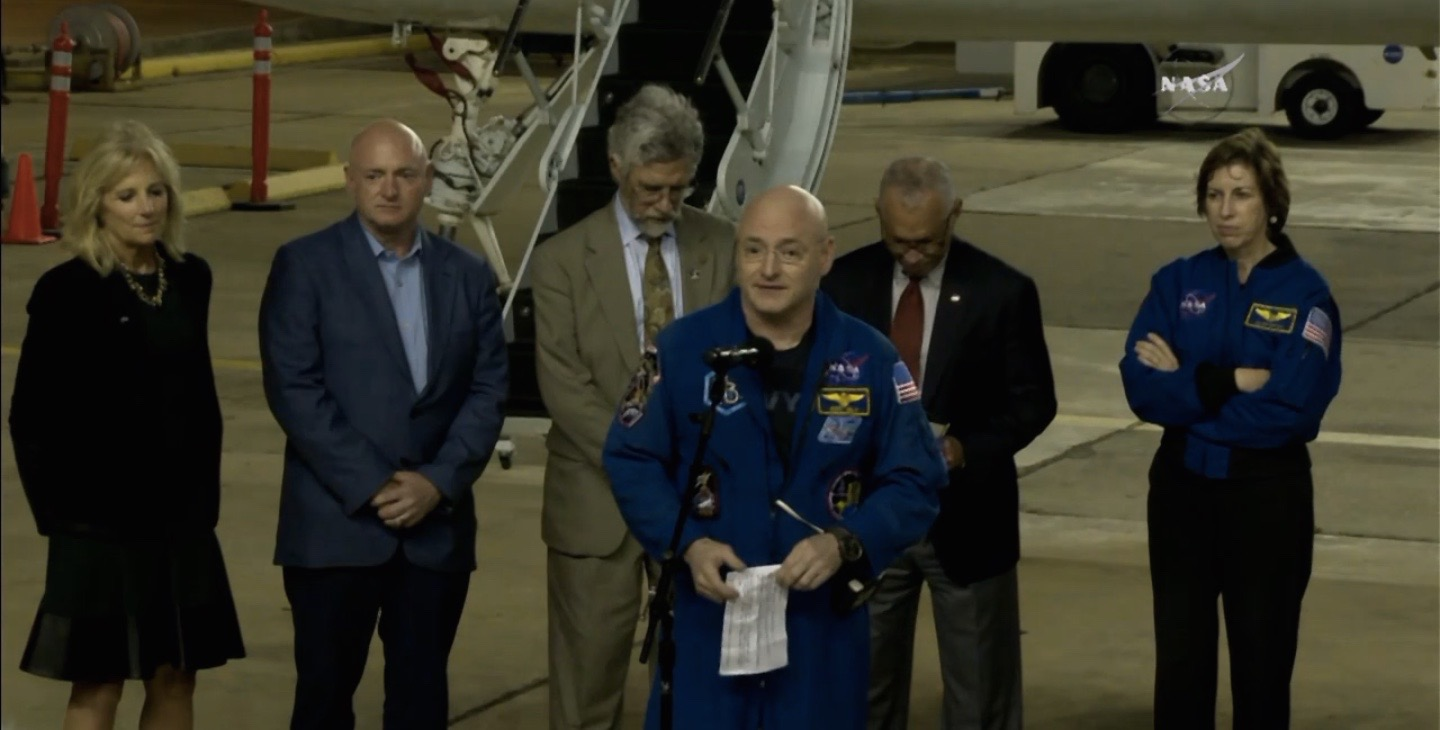 Jill Biden Welcomes 1-Year Astronaut Scott Kelly Home with Beer, Apple Pie