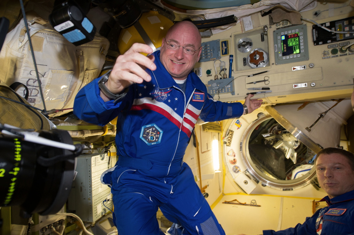 Astronaut Scott Kelly Talks Yearlong Space Mission Today: Watch It Live