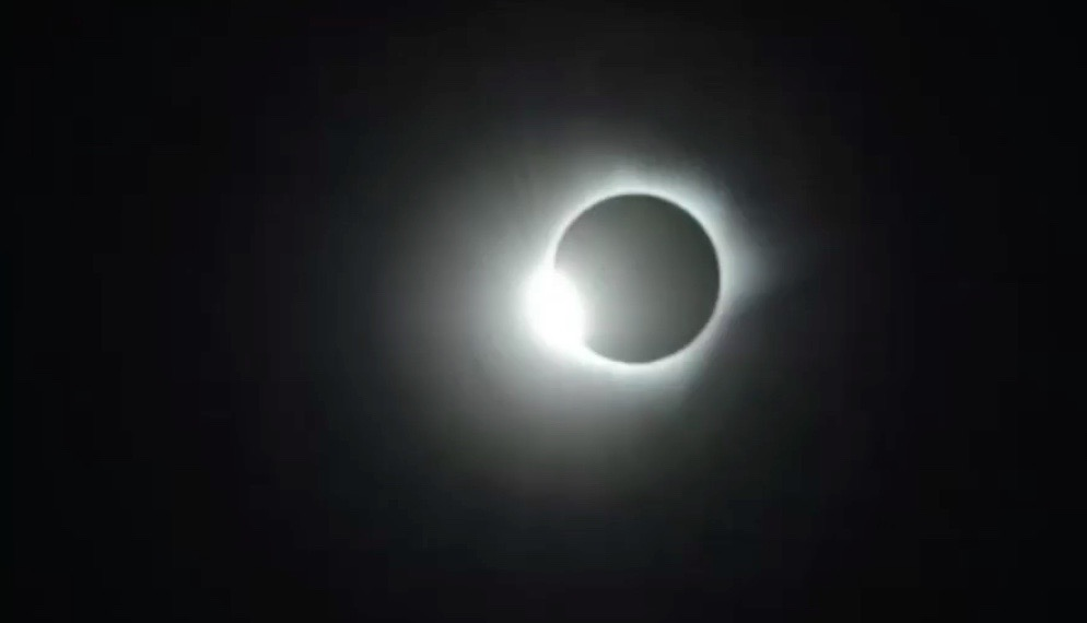 March 2016 Total Solar Eclipse: 'Diamond Ring'
