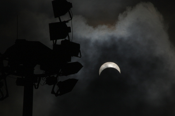 Akash Anandh took this photo of the March 2016 solar eclipse in Singapore with a Canon EOS 450D and Canon 75-300 telephoto lens.