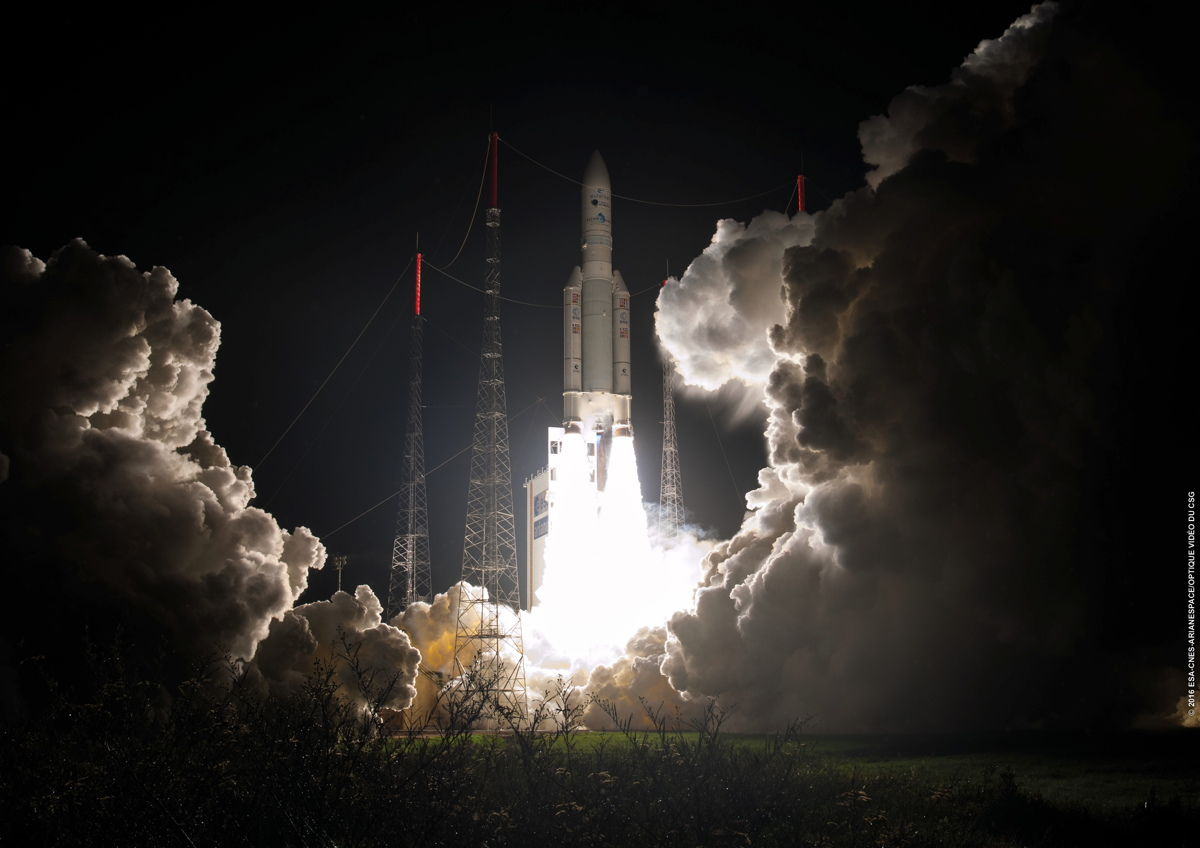 Ariane 5, in 2nd Straight Solo Mission, Places Eutelsat 65 West A into Orbit