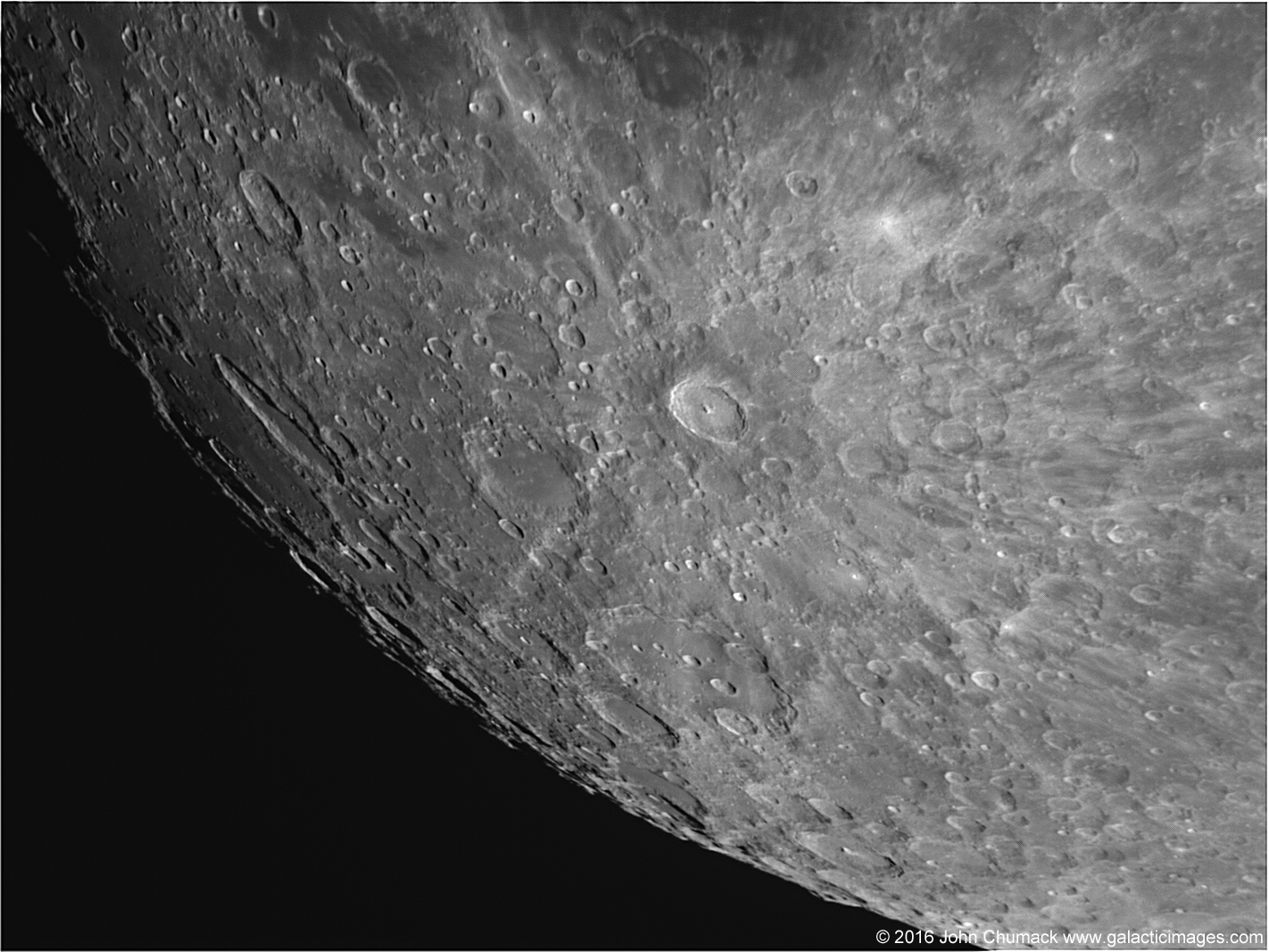 Wow! Moon's Young Crater Seen in Close-Up View (Photo)