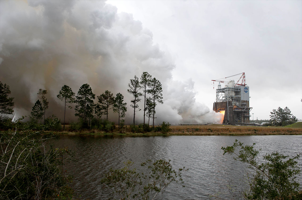 Test Fire of RS-25 Rocket Engine