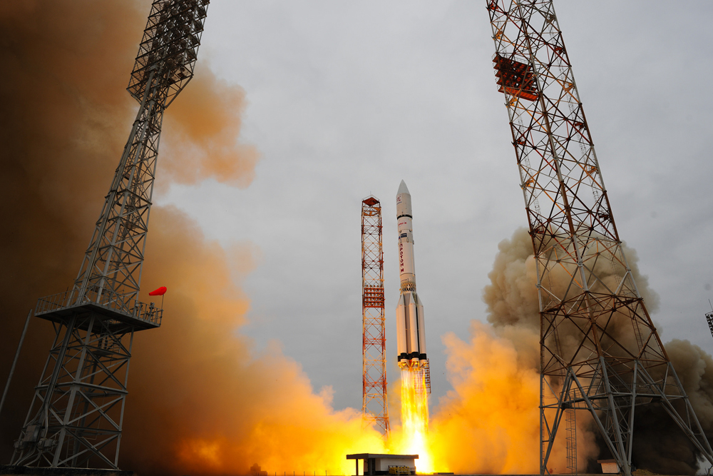 Launch Photos: Europe's ExoMars 2016 Mission Rockets Toward the Red Planet