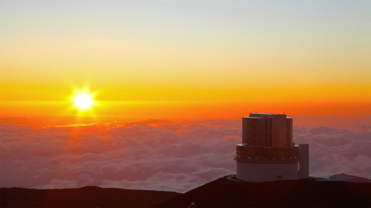 Sunset at Subaru Telescope