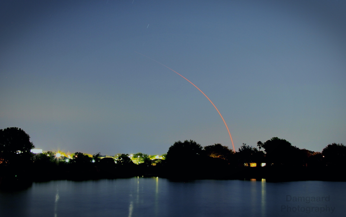 Photographers Snap Dazzling Views of Cygnus Spacecraft's Nighttime Launch