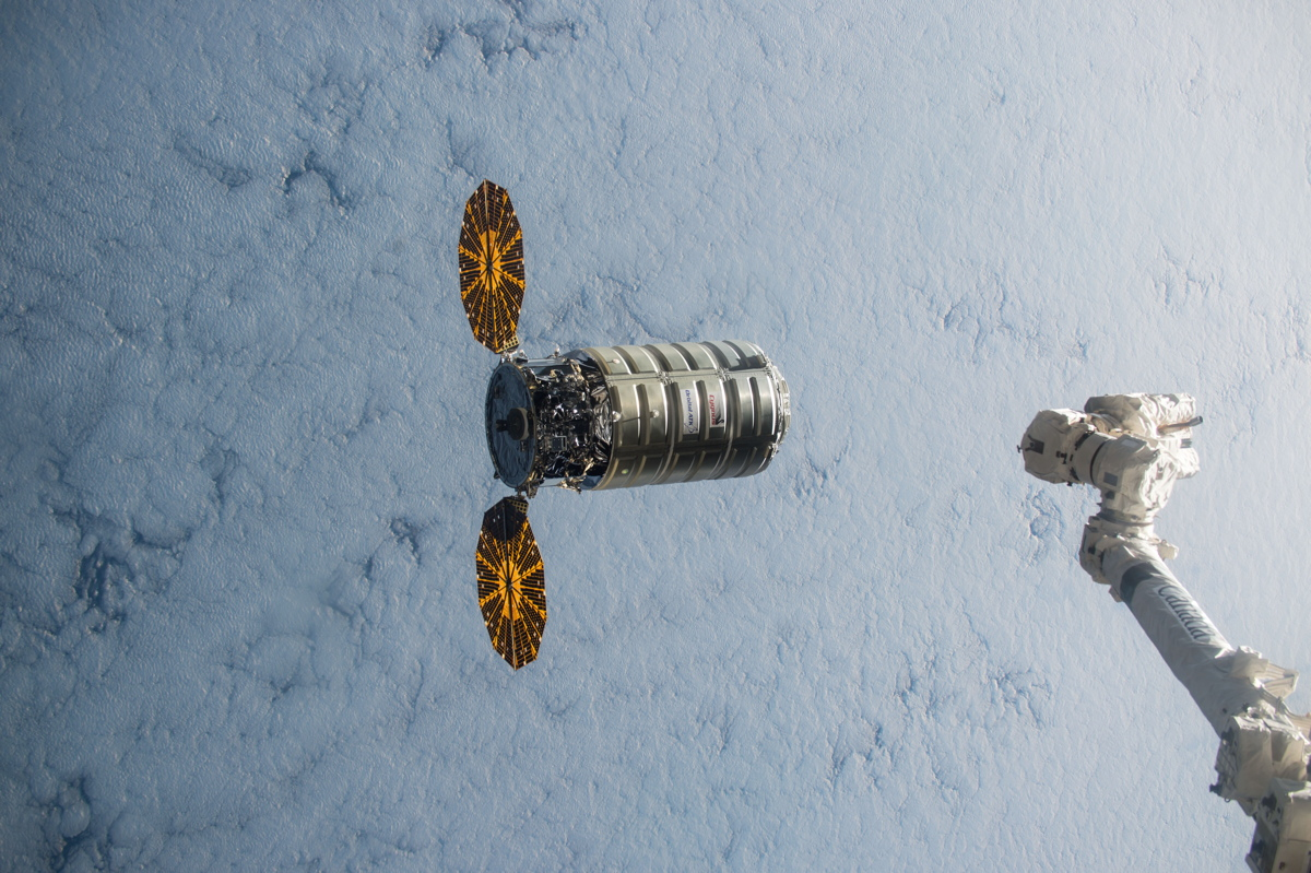 Cygnus Cargo Ship Now Chasing Space Station: Spot Them in the Night Sky