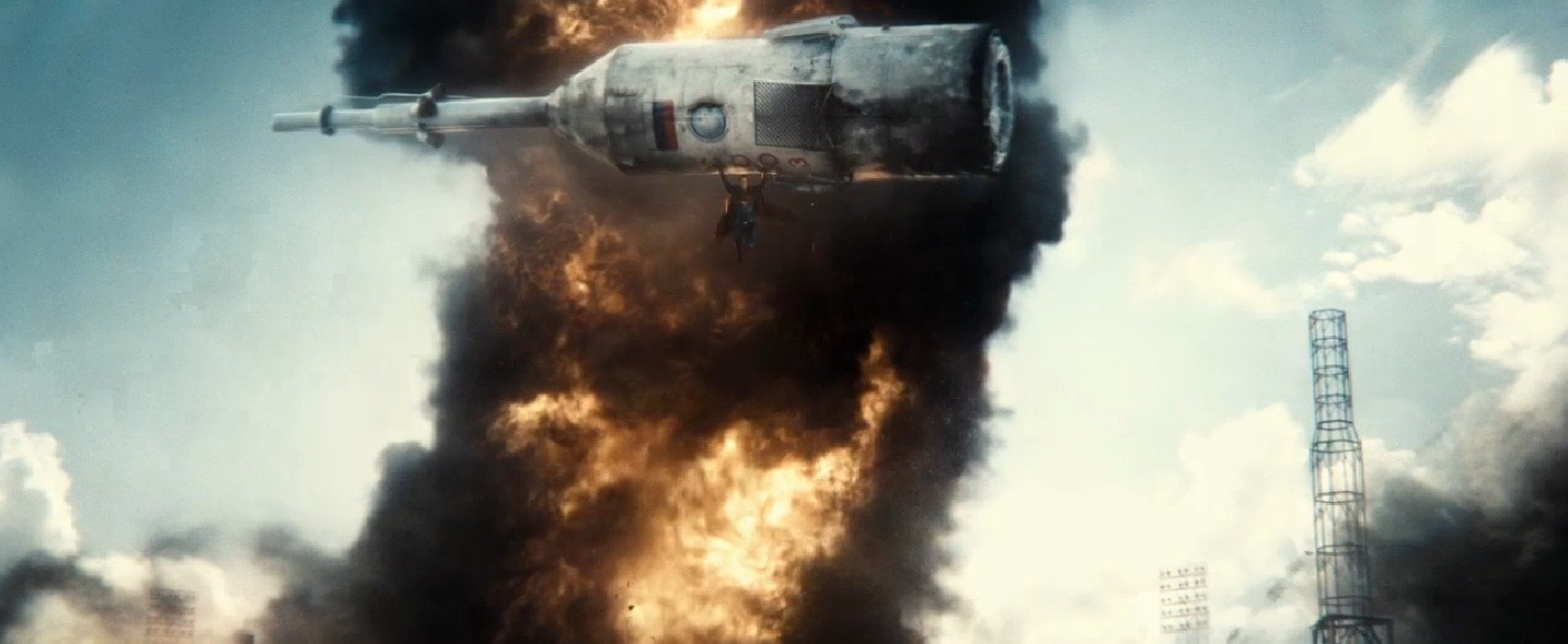 Superman Saves Soyuz in 'Batman v Superman: Dawn of Justice'