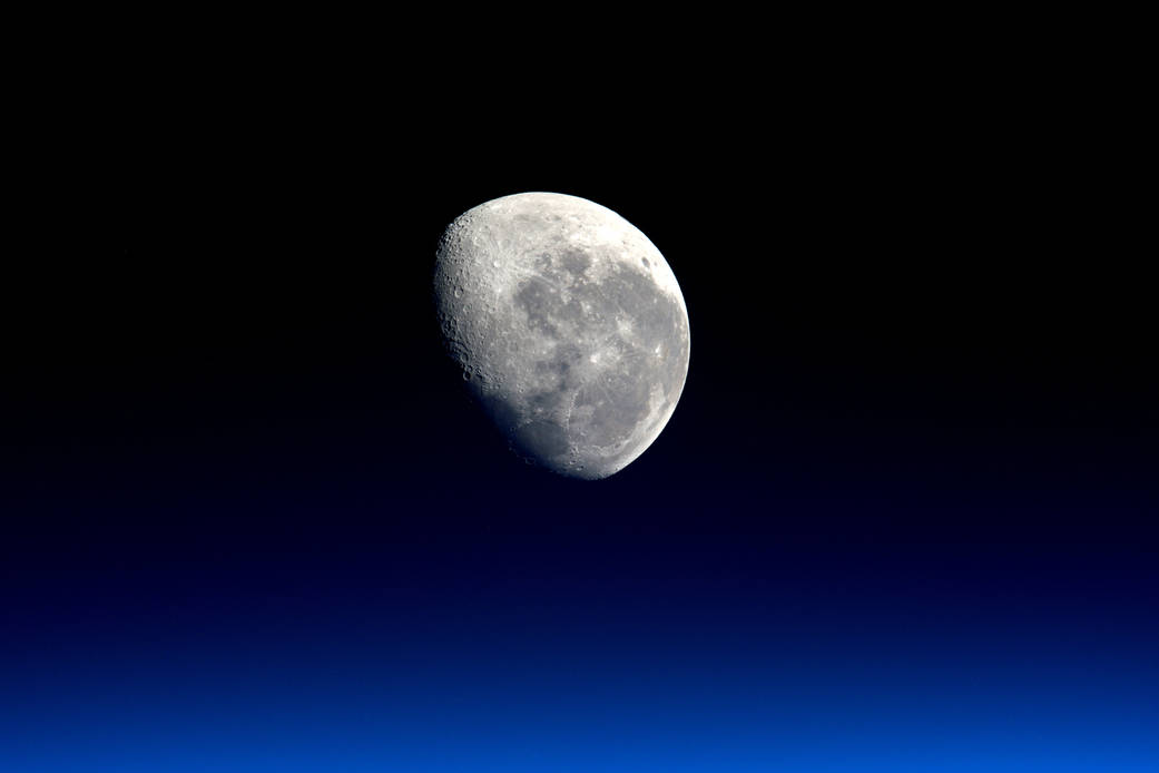 Moonset from the International Space Station