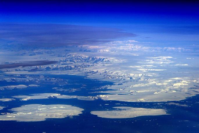 ESA Astronaut Tim Peake Snaps View of Antarctica