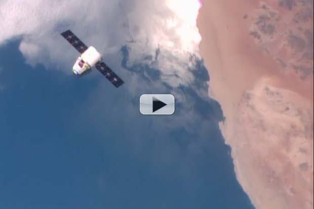 Spectacular Earth Views Delivered On SpaceX Dragon's ISS Approach | Video