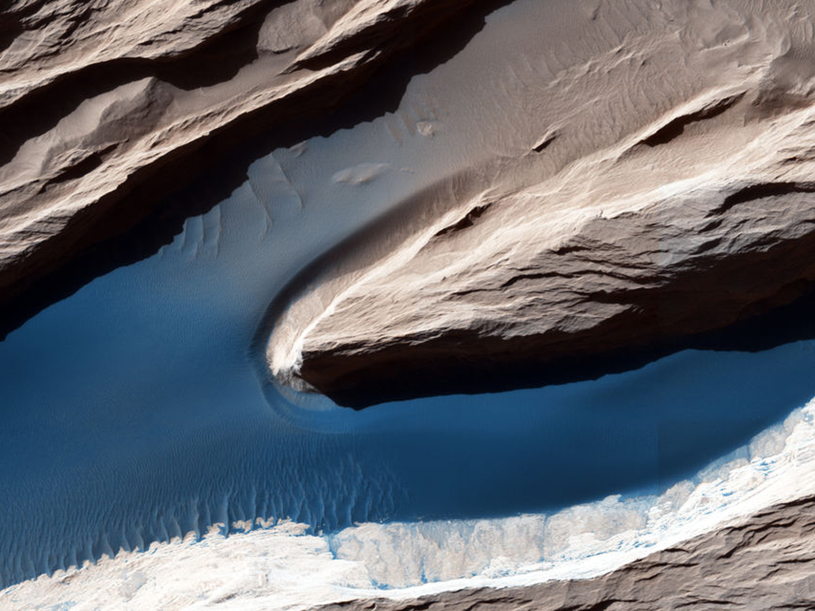 Wild Winds of Mars | Space Wallpaper