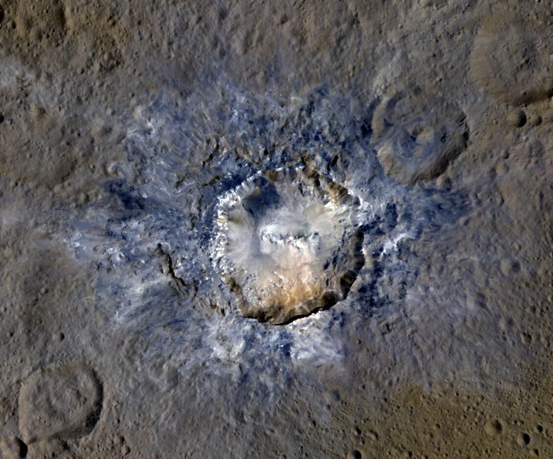 Bright Ceres Crater Looks Like a Stop Sign (Photos)