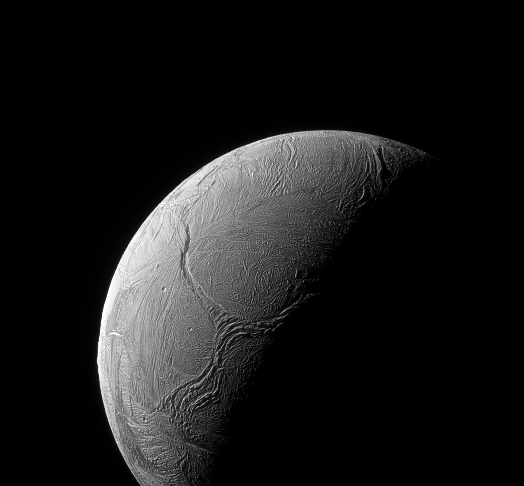 Odd 'Y' Shape Dominates Saturn Moon Enceladus (Photo)