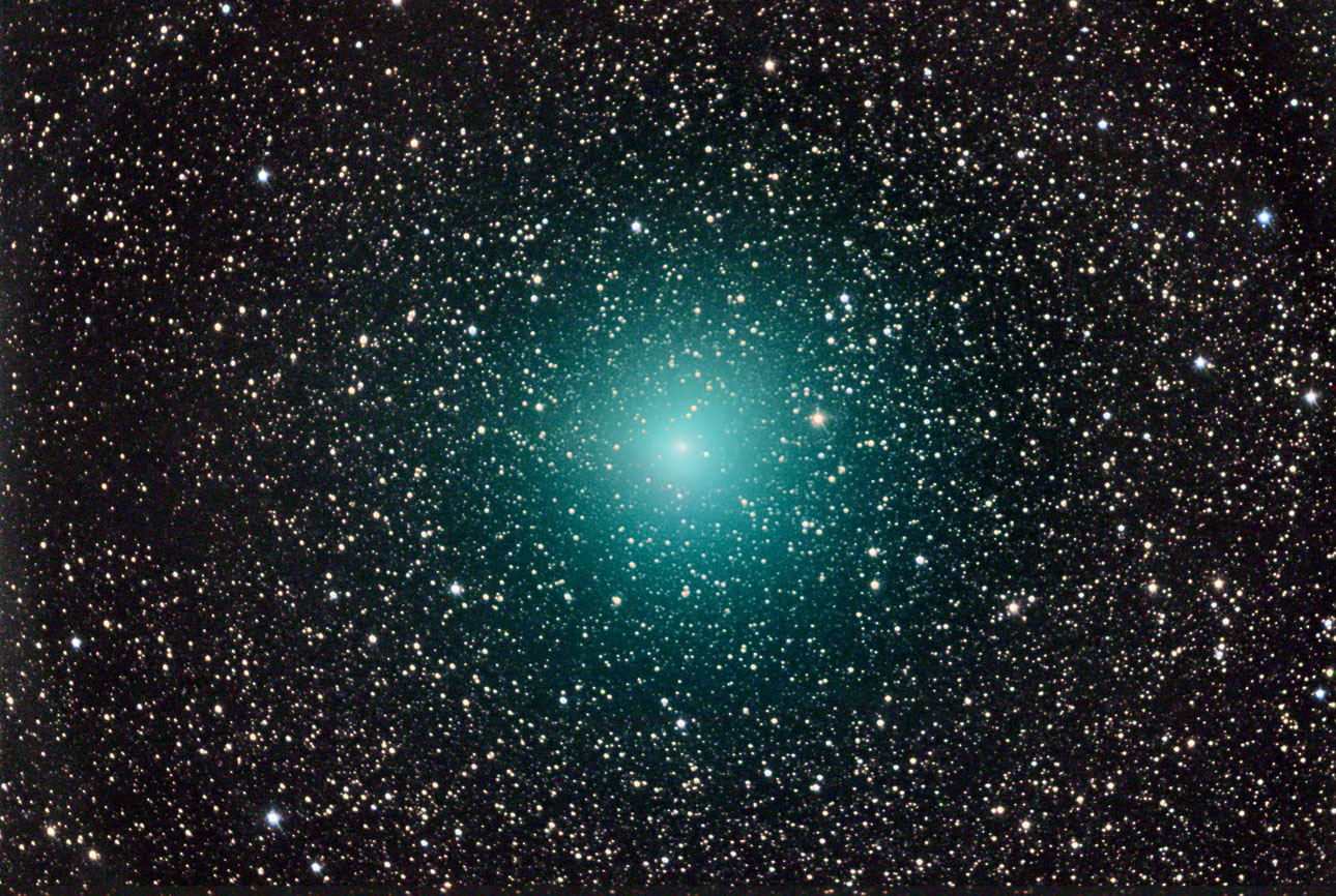 Stunning Turquoise Comet Wows