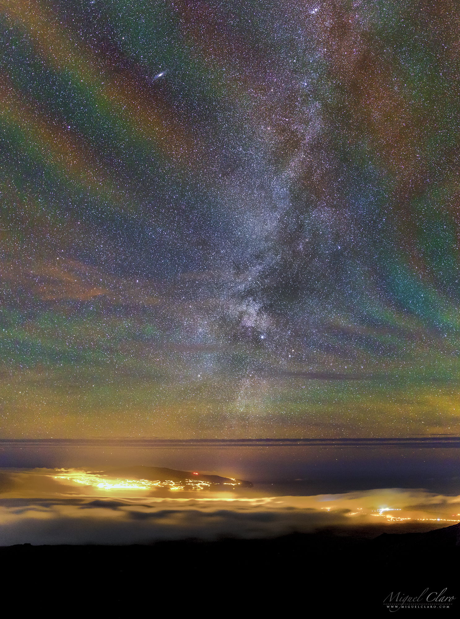 Rainbow Airglow Above the Azores by Claro