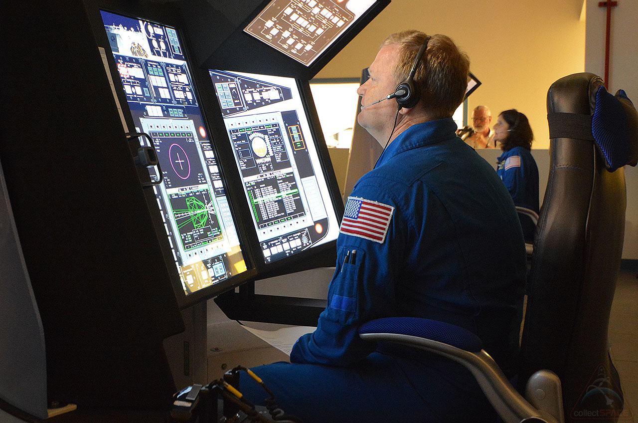 Starliner Simulators: Astronauts 'Fly' Boeing Spacecraft Trainers